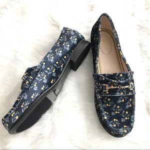 CAbi Carnaby Velvet Loafer Size 7 NIB